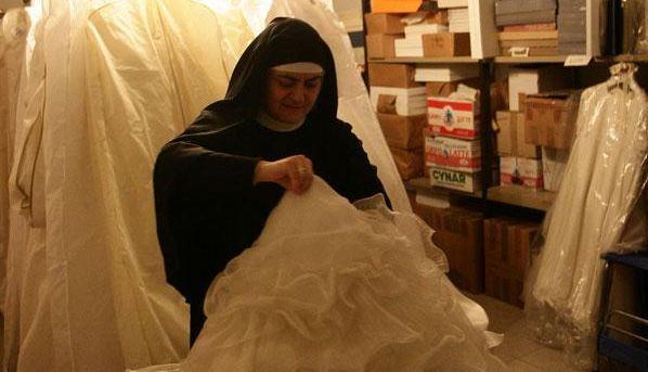 Abiti da sposa gratis dalle suore di cascia panorama sposi for Vestiti usati in regalo