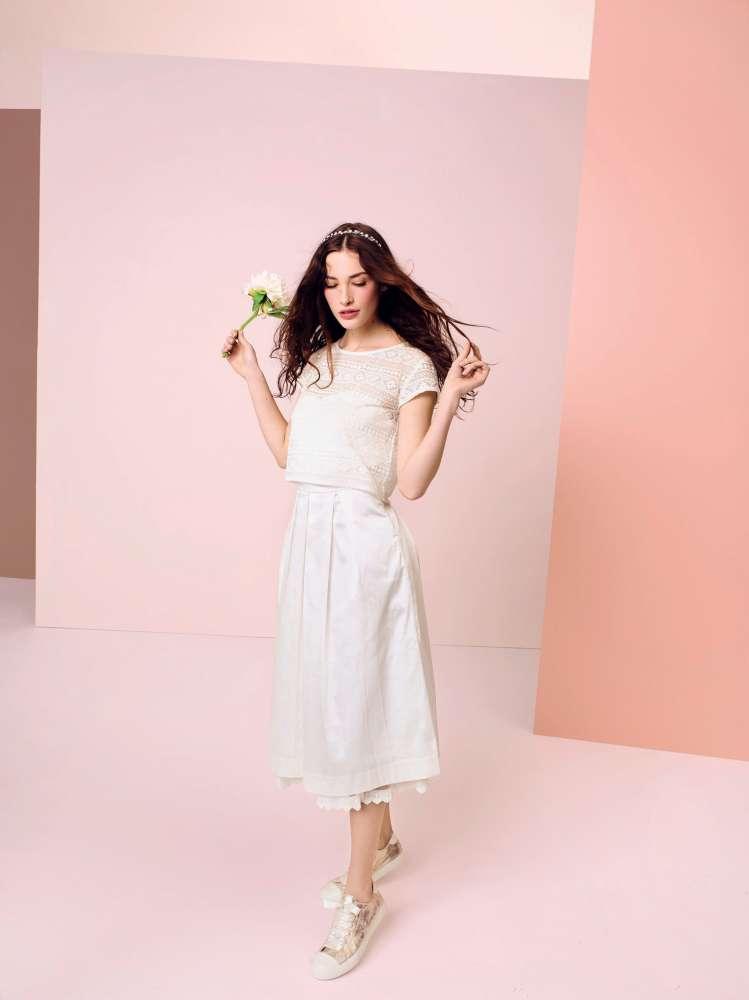be28eea726d4 Il capo per le spose 2015 è stato venduto in limited edition solo sul sito  dell azienda. vestito da sposa low cost kiabi