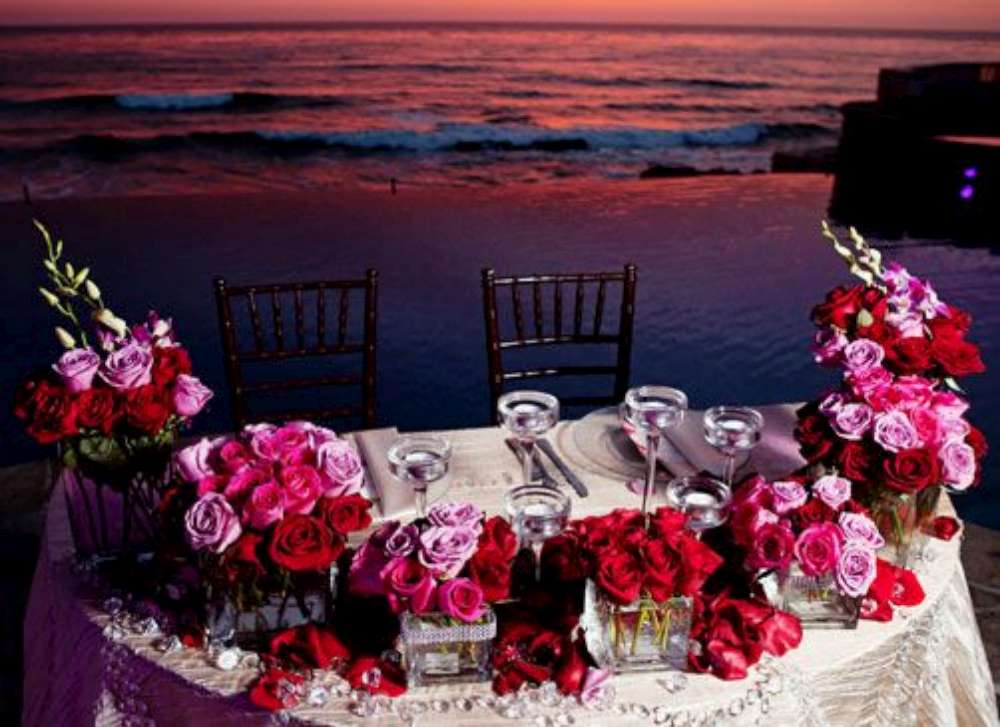 Newlyweds table-1000