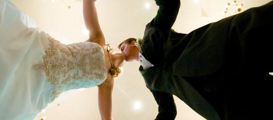 sposi nozze bacio