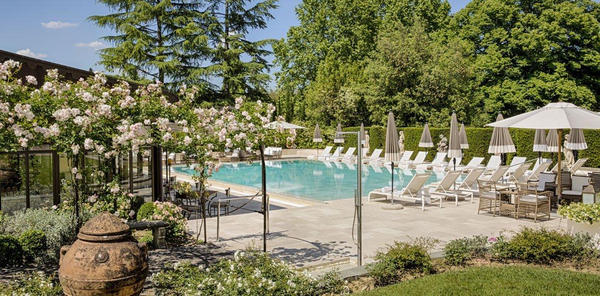 villa cora piscina