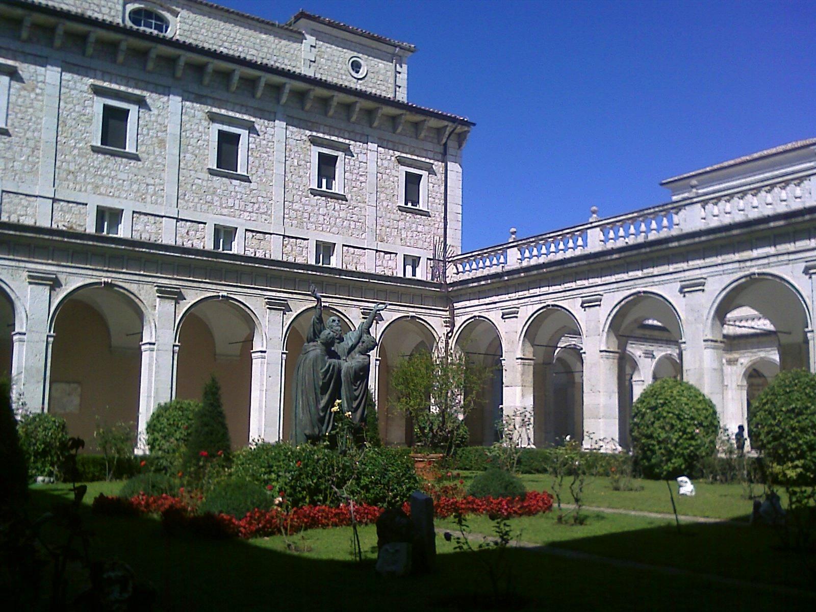 Montecassino_Primo_chiostro