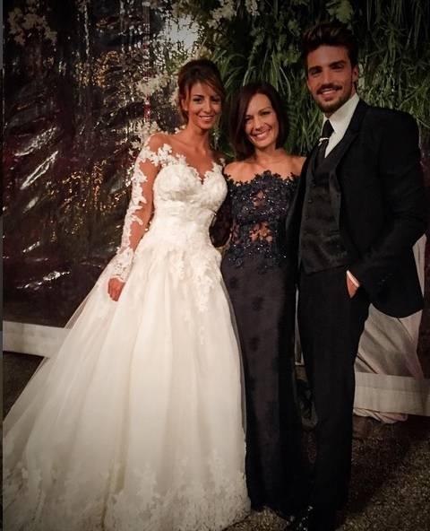 Gli sposi con Alessandra Rinaudi, Instagram Mariano di Vaio