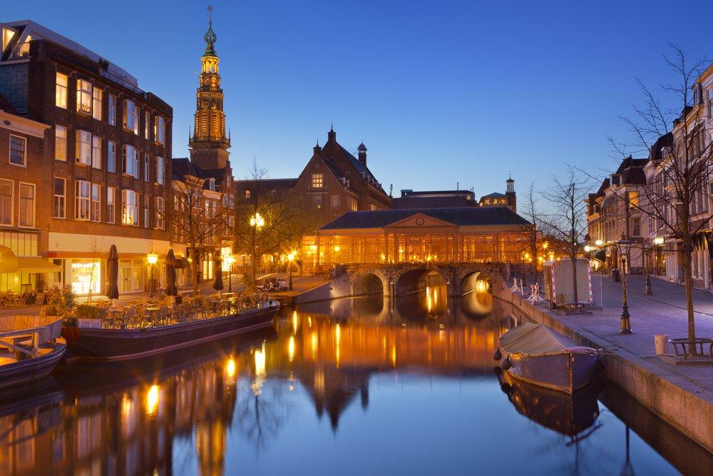 Leiden_305025947