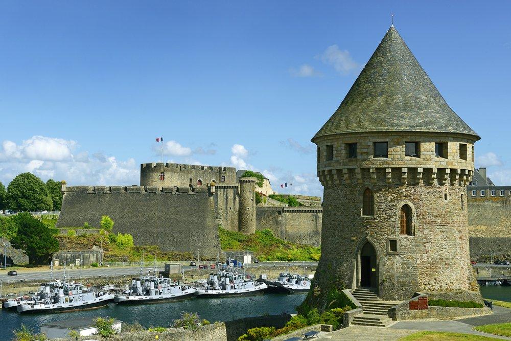 Viaggio di nozze in Francia, Brest