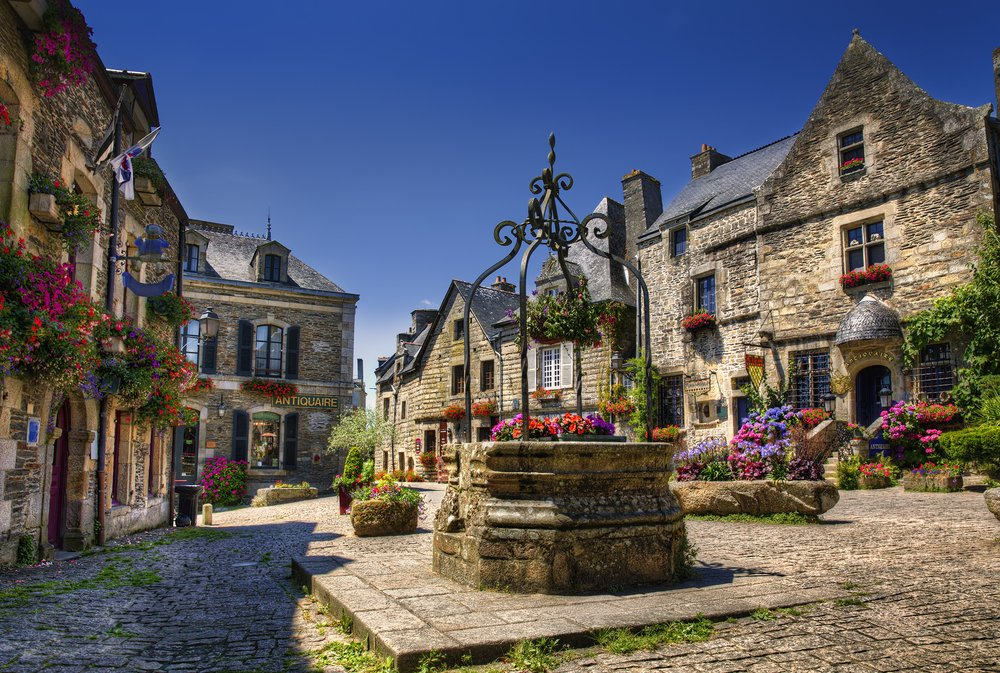 Viaggio di nozze in Francia, Rochefort-en-Terre