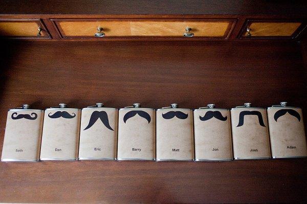 Fiaschette personalizzate per i testimoni dello sposo