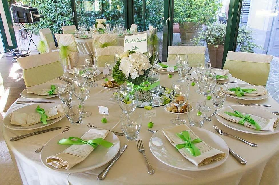 Dettagli delle decorazioni in verde
