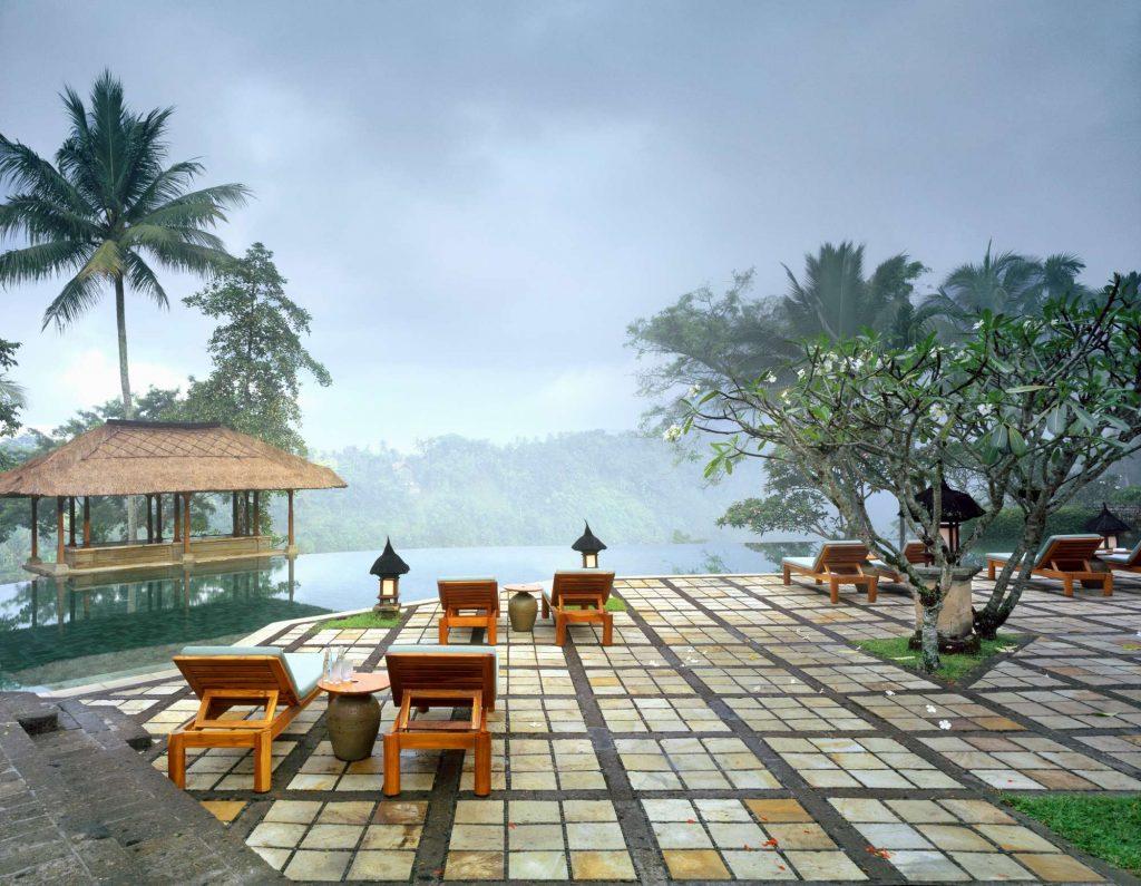 Sposarsi a Bali, la piscina del Resort Amandari