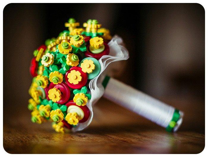 Bouquet da sposa fatto con i Lego