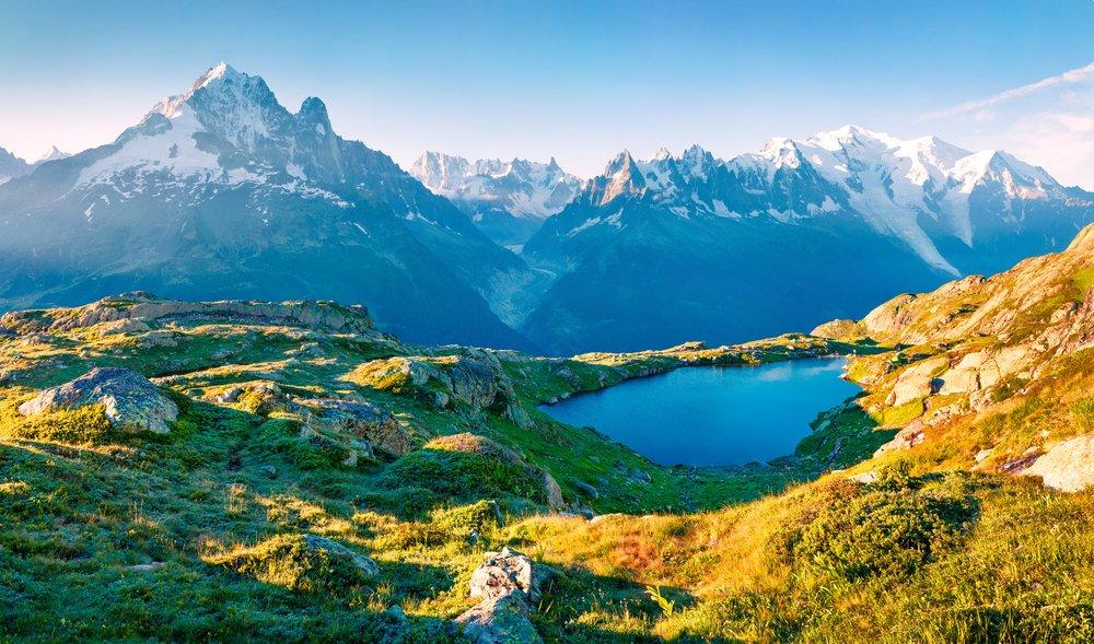 Viaggio di nozze sulle Alpi, lago ghiacciato
