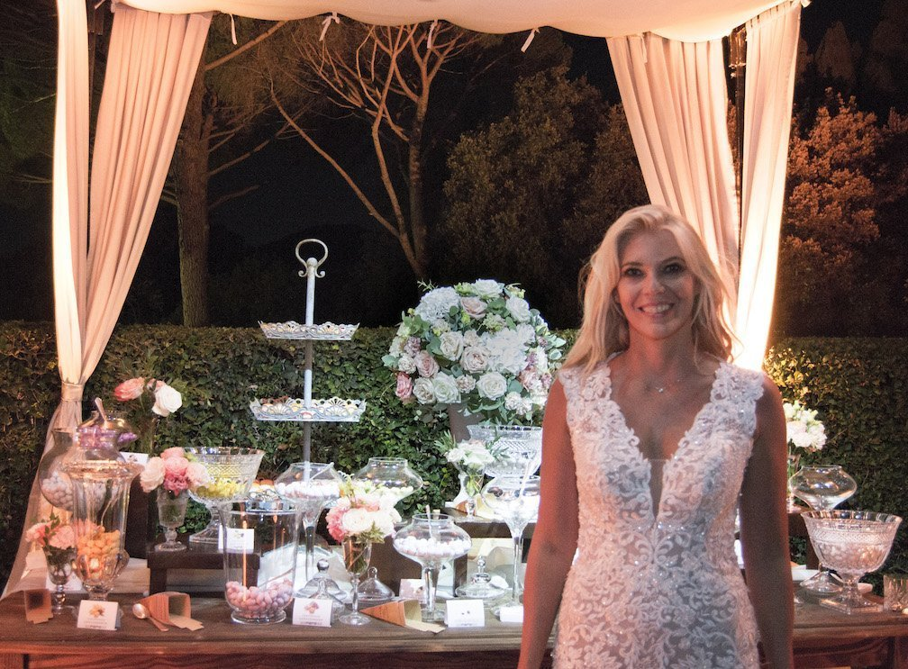 Vebo Fiera Elenora Daniele in abito da sposa bianco